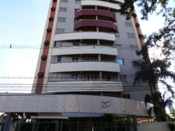 Apartamento,95m² - 2 Qtos sendo 1 suite, wcs c/ box, sla p/ 2 amb, coz, A.S. garagem.